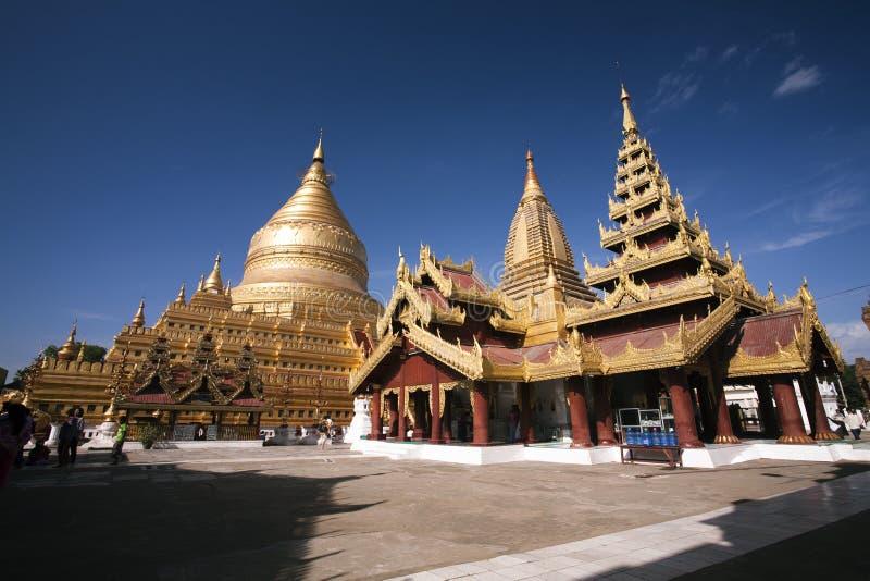Χρυσός ναός Shwezigon Paya στο U Nyaung (Bagan) - το Μιανμάρ στοκ φωτογραφία με δικαίωμα ελεύθερης χρήσης