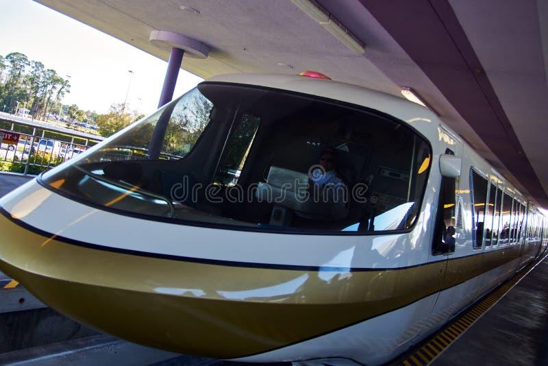 Χρυσός παγκόσμιων μονοτρόχιων σιδηροδρόμων της Disney Walt στοκ εικόνα με δικαίωμα ελεύθερης χρήσης