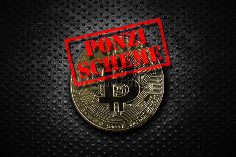 Χρυσός σχεδίου Ponzi bitcoin στοκ εικόνες