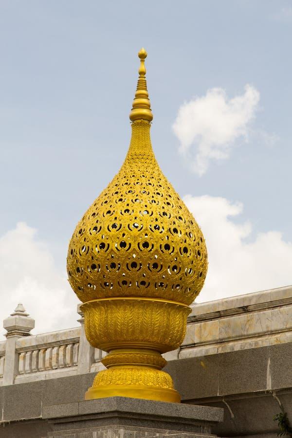 Χρυσός Phan Μπους, στο υπόβαθρο ουρανού στην Ταϊλάνδη στοκ εικόνες