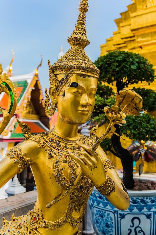 χρυσό άγαλμα στοκ εικόνες