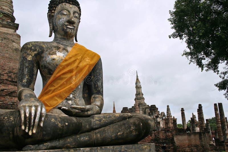 χρυσό ασημένιο sukhothai του Βούδ& στοκ εικόνα