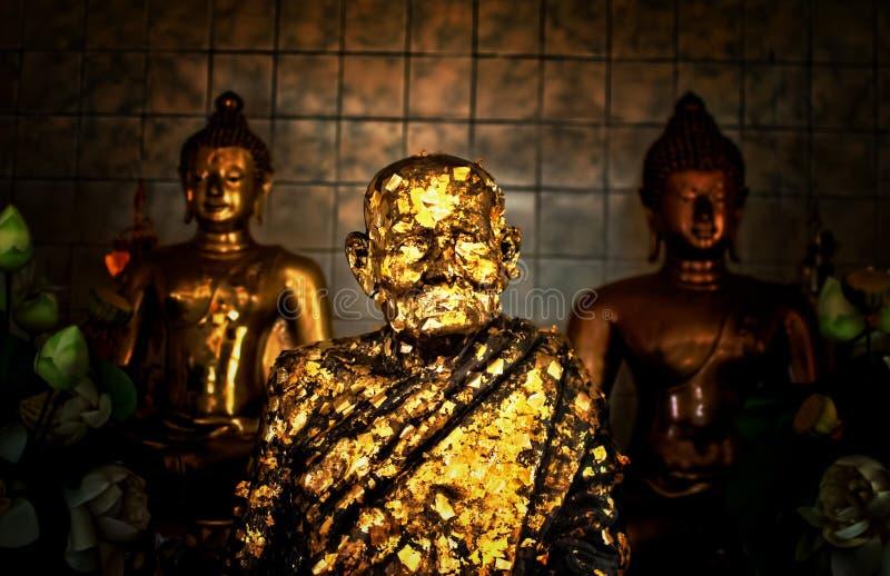 χρυσό γλυπτό του Βούδα στοκ φωτογραφίες με δικαίωμα ελεύθερης χρήσης