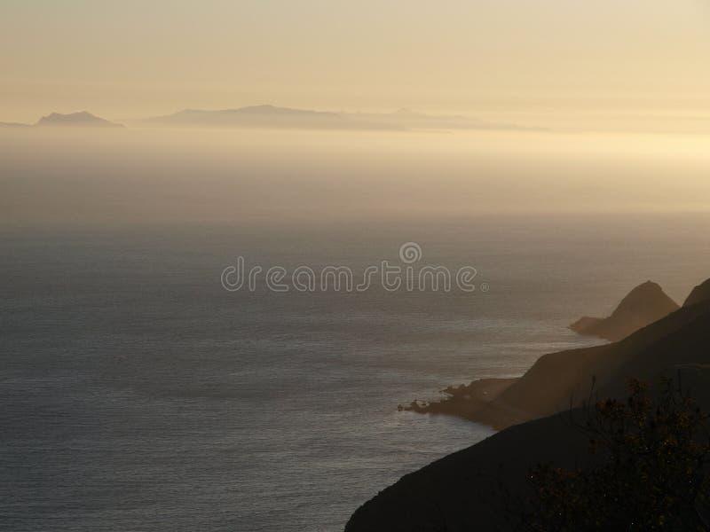 χρυσό ηλιοβασίλεμα malibu στοκ εικόνες