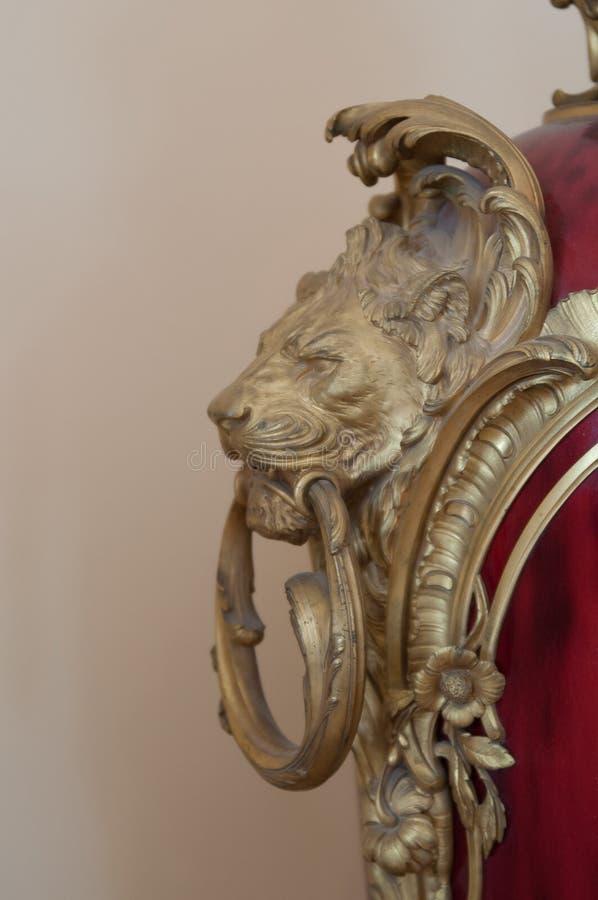 Χρυσό κεφάλι λιονταριών στοκ εικόνες με δικαίωμα ελεύθερης χρήσης