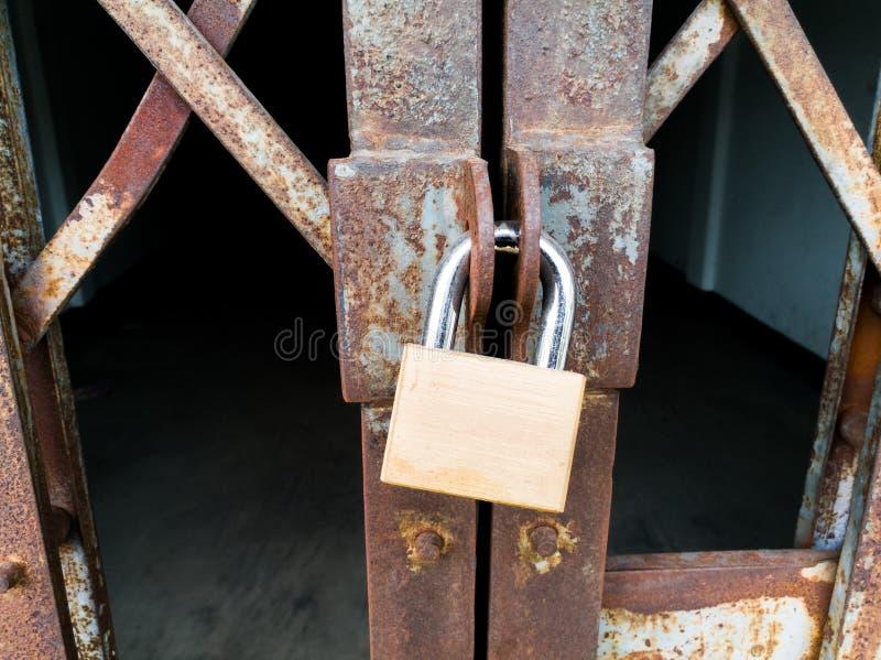 Χρυσό κύριο κλειδί στοκ φωτογραφία με δικαίωμα ελεύθερης χρήσης