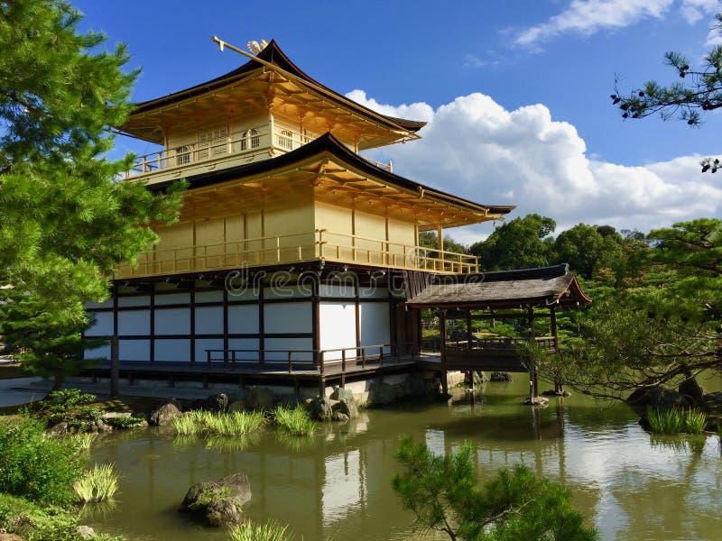 Χρυσό περίπτερο Kinkakuji στο Κιότο, Ιαπωνία στοκ εικόνες με δικαίωμα ελεύθερης χρήσης