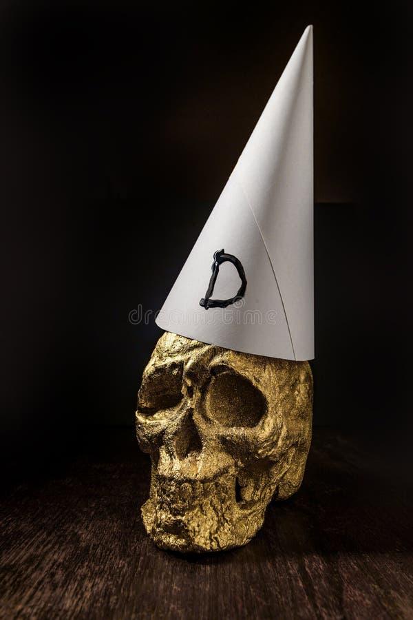 Χρυσό Dunce κρανίων καπέλο στοκ φωτογραφία με δικαίωμα ελεύθερης χρήσης