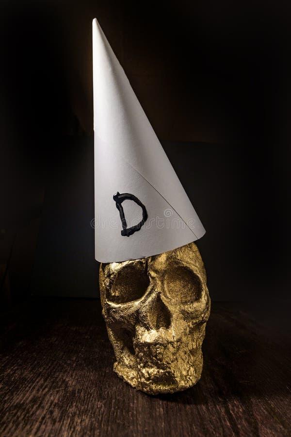Χρυσό Dunce κρανίων καπέλο στοκ φωτογραφίες με δικαίωμα ελεύθερης χρήσης
