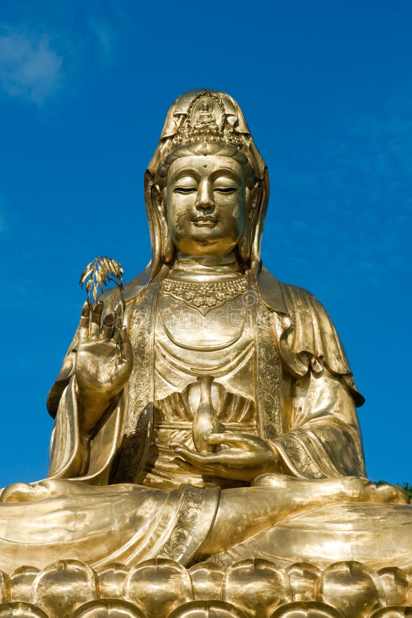 χρυσό guan άγαλμα yin στοκ εικόνα