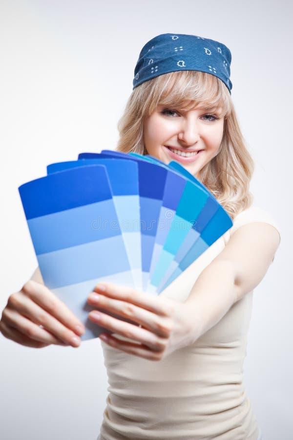 Χρωματίζοντας γυναίκα στοκ εικόνες με δικαίωμα ελεύθερης χρήσης