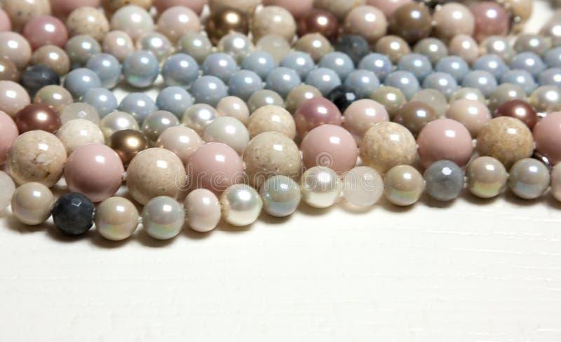 Χρωματισμένα μαργαριτάρια στοκ φωτογραφία