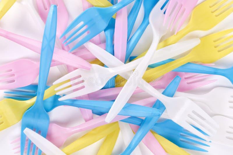 Χρωματισμένα, πλαστικά δίκρανα στοκ φωτογραφίες με δικαίωμα ελεύθερης χρήσης