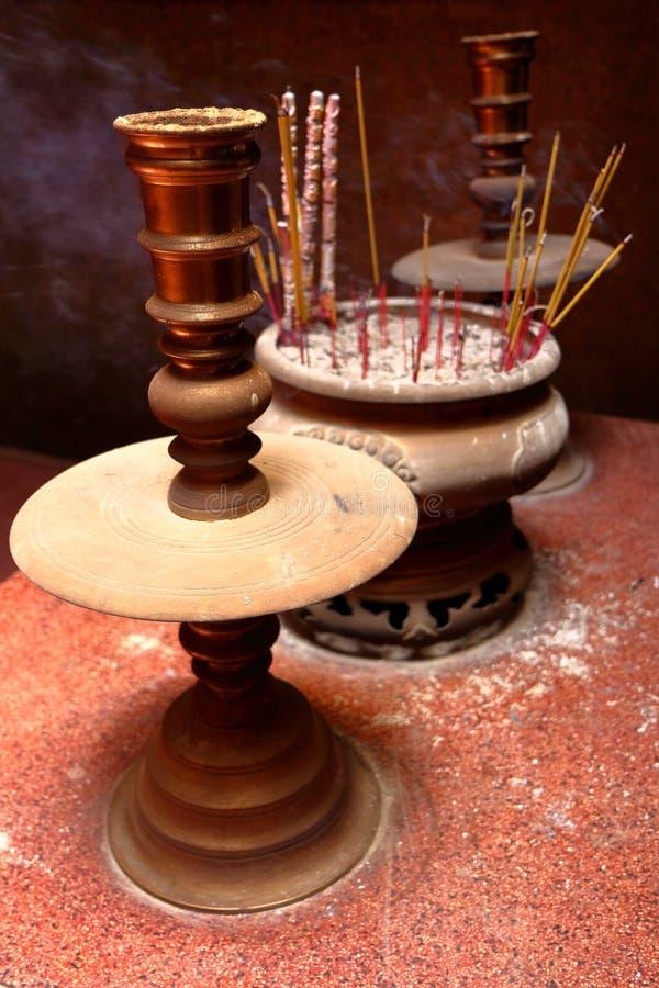 χρωματισμένα ραβδιά θυμιάμ&al στοκ φωτογραφία με δικαίωμα ελεύθερης χρήσης