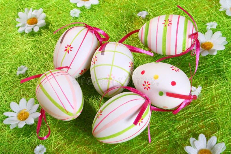 χρωματισμένη κρητιδογραφία αυγών Πάσχας στοκ εικόνα με δικαίωμα ελεύθερης χρήσης