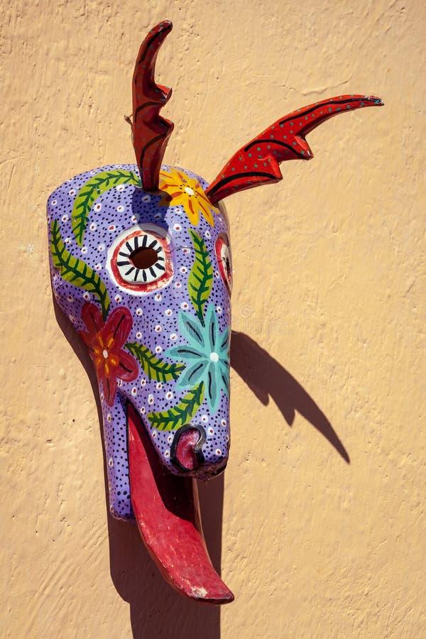 Χρωματισμένη Coloful ζωική μάσκα στη Γουατεμάλα στοκ φωτογραφία
