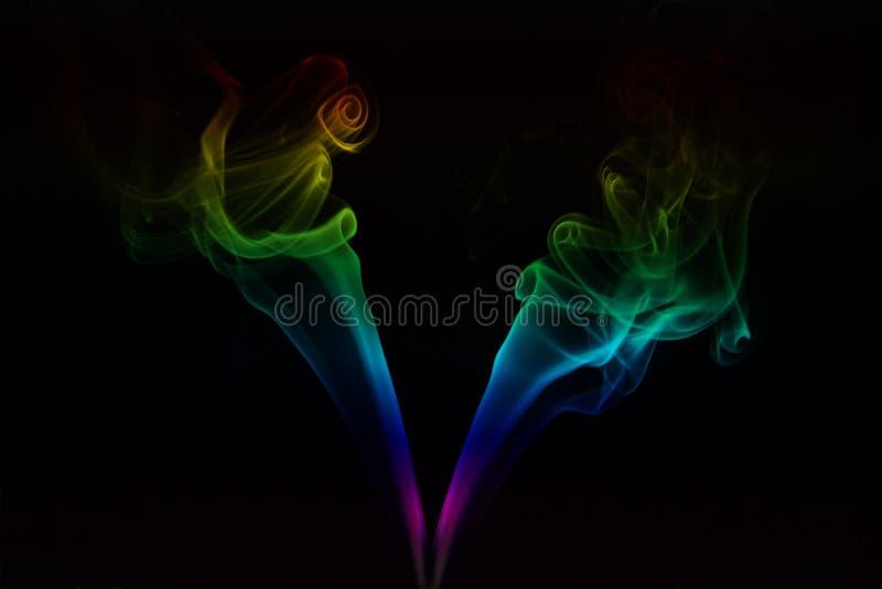 Χρωματισμένος καπνός με το σαφές υπόβαθρο στοκ φωτογραφία με δικαίωμα ελεύθερης χρήσης