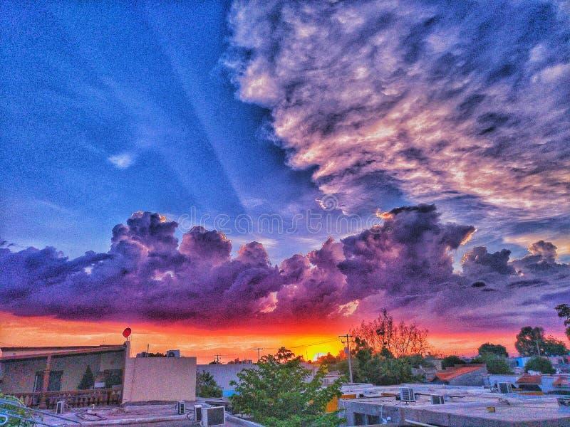 χρωματισμένος ουρανός στοκ φωτογραφία