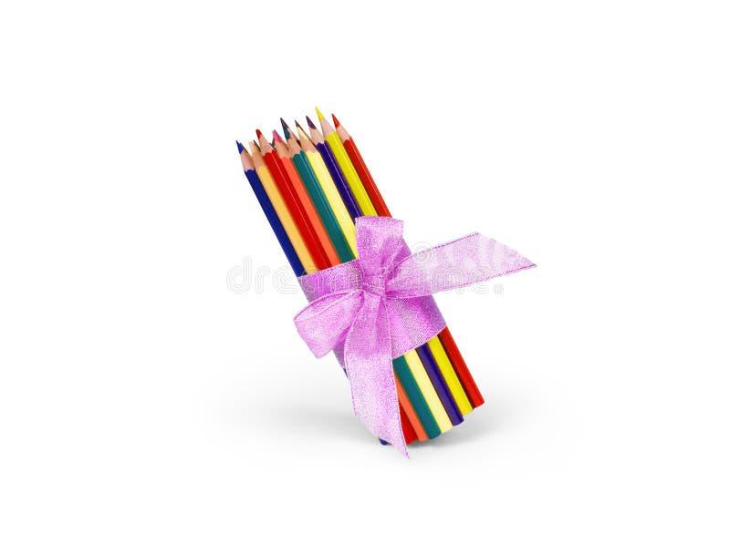 χρωματισμένο απομονωμένο λευκό μολυβιών μολυβιών ανασκόπησης χρώμα στοκ εικόνα
