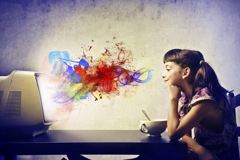 Χρωματισμένο πρόγευμα παιδιών στοκ φωτογραφίες με δικαίωμα ελεύθερης χρήσης