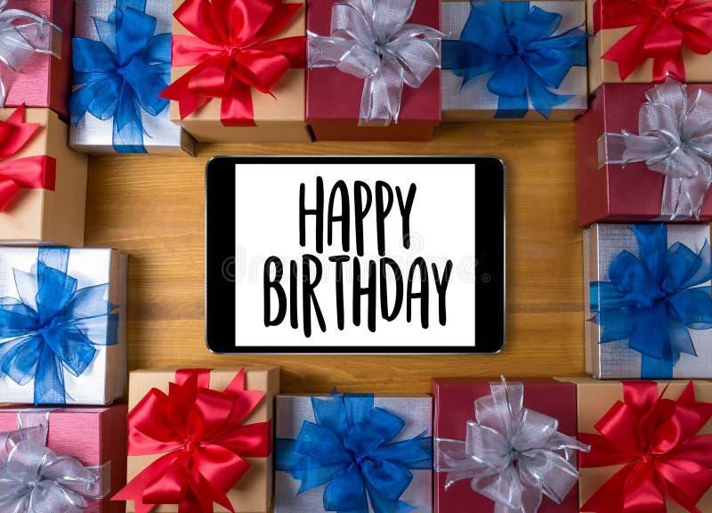 Χρόνια πολλά κόμμα HBD συγχαρητηρίων εορτασμού γενέθλια γ στοκ φωτογραφία