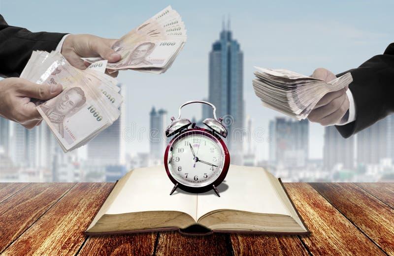 Χρόνος για την επένδυση στην εκπαίδευση στοκ φωτογραφίες