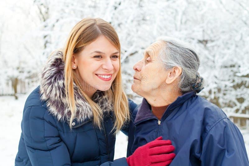 Χρόνος εξόδων με το grandma στοκ φωτογραφία