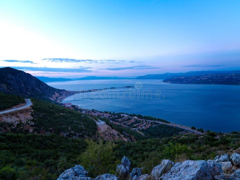 Χρόνος ηλιοβασιλέματος στη λίμνη Τουρκία Egirdir στοκ φωτογραφίες
