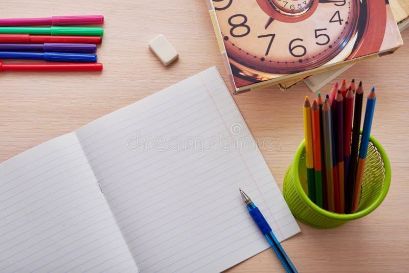 Χρόνος να πάει στο σχολείο στοκ εικόνες με δικαίωμα ελεύθερης χρήσης