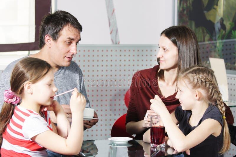 χρόνος οικογενειακών ε&x στοκ εικόνες με δικαίωμα ελεύθερης χρήσης