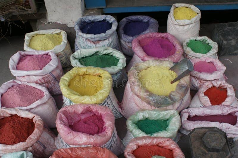 Χρώματα για το φεστιβάλ Holi σε Rishikesh στοκ φωτογραφία με δικαίωμα ελεύθερης χρήσης
