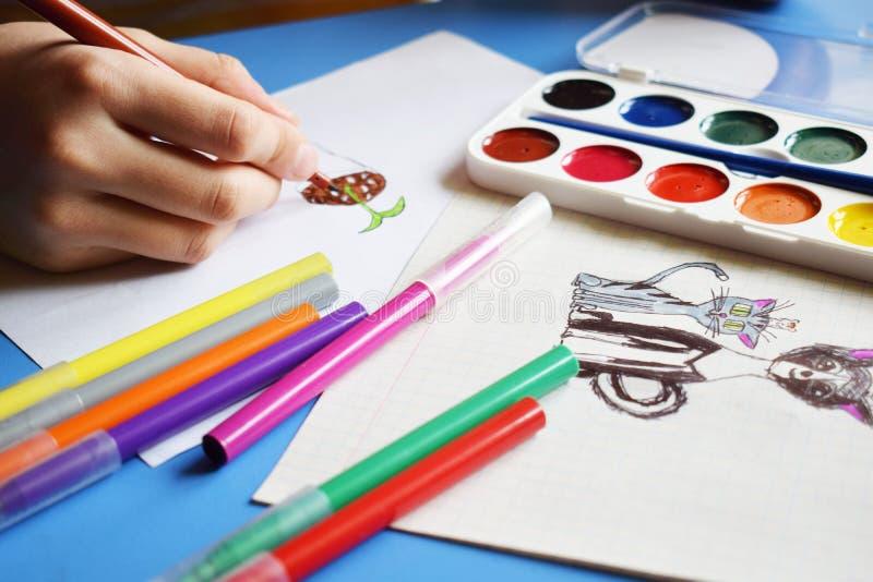 Χρώματα, δείκτες και σχέδια Watercolor στοκ εικόνες