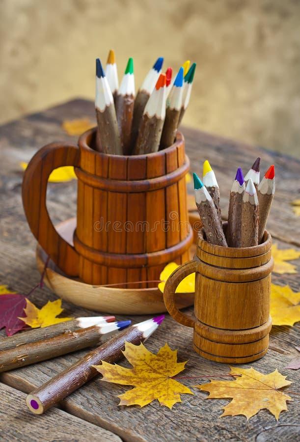 Download Χρώματα και βούρτσες στοκ εικόνες. εικόνα από σχέδιο - 62720934