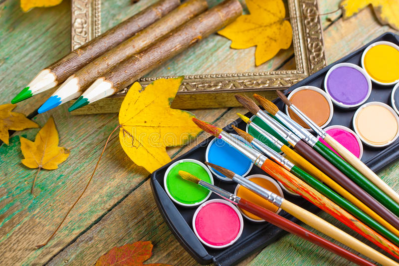 Download Χρώματα και βούρτσες στοκ εικόνα. εικόνα από closeup - 62723703