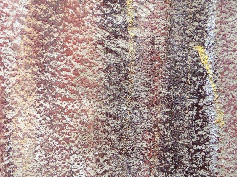 Χρώματα στον αντιμετωπίζοντας τοίχο στοκ φωτογραφία