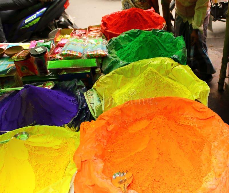 Χρώματα του φεστιβάλ Holi στην Ινδία στοκ εικόνες