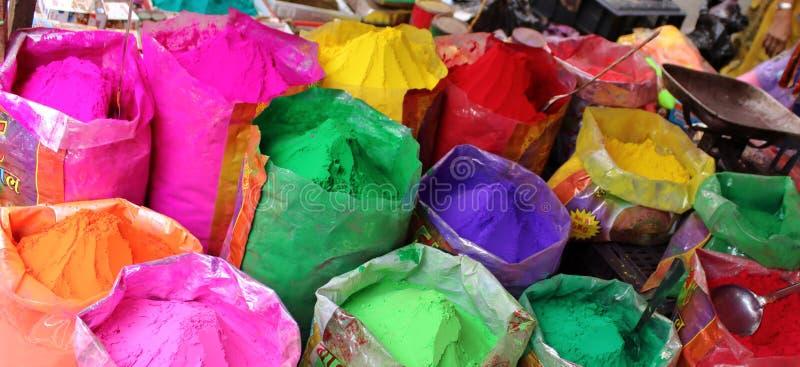 Χρώματα του φεστιβάλ Holi στην Ινδία στοκ φωτογραφία με δικαίωμα ελεύθερης χρήσης