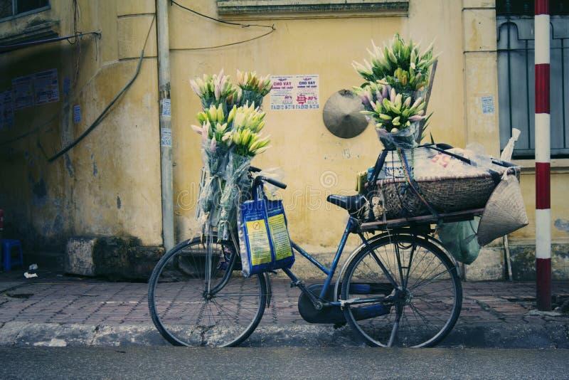 Χρώμα λουλουδιών οδών, μικρή γωνία του δρόμου στοκ φωτογραφία με δικαίωμα ελεύθερης χρήσης