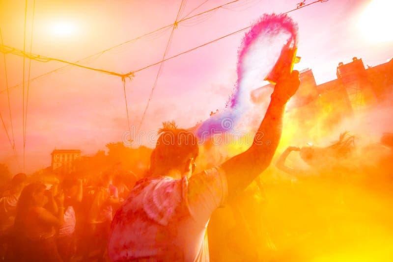 Χρώμα της Μολδαβίας Chisinau Δαρβίνος εορτασμού Holi στις 9 Σεπτεμβρίου 2017 στοκ εικόνα με δικαίωμα ελεύθερης χρήσης