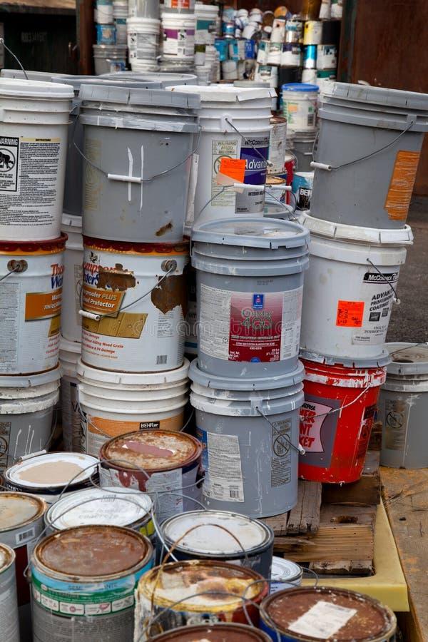 Χρώμα dumpster στοκ εικόνες με δικαίωμα ελεύθερης χρήσης