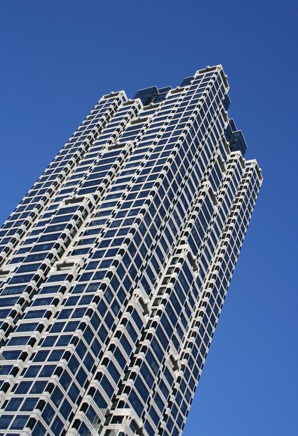 χτίζοντας γενικό πολυόροφο κτίριο στοκ εικόνα με δικαίωμα ελεύθερης χρήσης