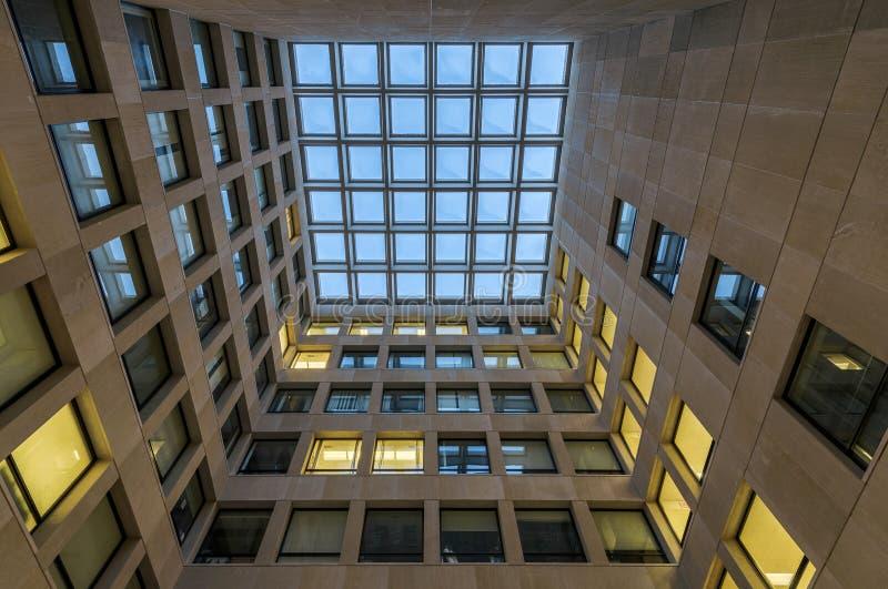 Χτίζοντας κεντρικό δικαστήριο ψυχολογίας στοκ εικόνα