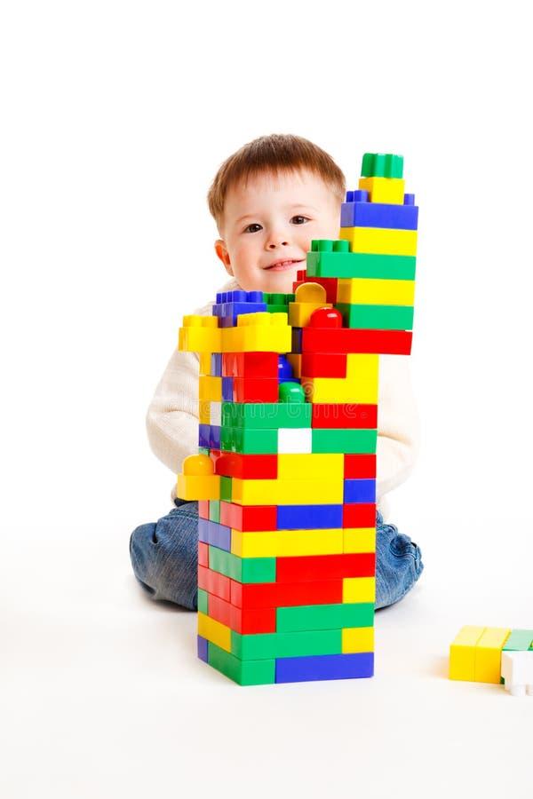 χτίζοντας μικρό παιδί στοκ φωτογραφία με δικαίωμα ελεύθερης χρήσης