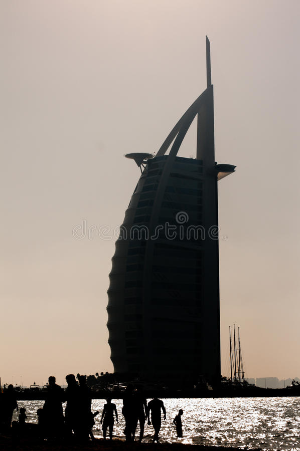 χτίζοντας Ντουμπάι εικον& στοκ εικόνα με δικαίωμα ελεύθερης χρήσης