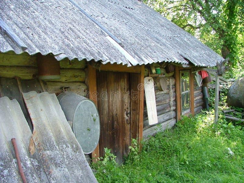 Download χτίζοντας παλαιά σάουνα στοκ εικόνα. εικόνα από ξύλινος - 124863