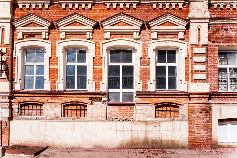 χτίζοντας παλαιό κόκκινο στοκ φωτογραφία με δικαίωμα ελεύθερης χρήσης