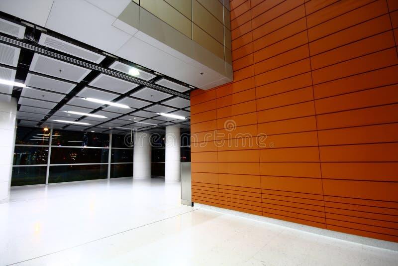 Download χτίζοντας την αίθουσα σύγ& στοκ εικόνα. εικόνα από ανοικτός - 17050139