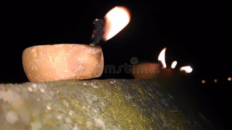 Χωμάτινοι λαμπτήρας & x28  diya & x29  κατά τη διάρκεια του φεστιβάλ του diwali στοκ εικόνα