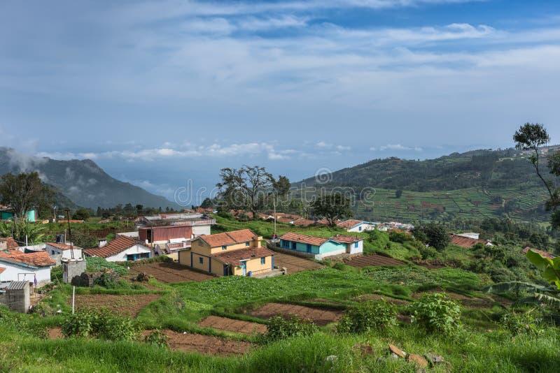 Χωριουδάκι αγροτών στην κοιλάδα Thalaikunha, λόφοι Nilgiri, Ινδία στοκ φωτογραφίες με δικαίωμα ελεύθερης χρήσης