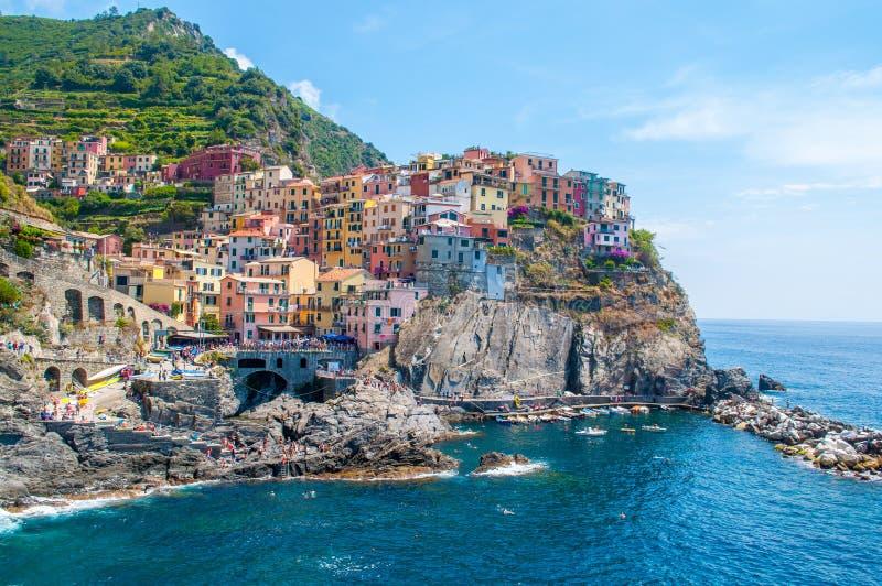 Χωριό και λιμάνι Vernazza σε Cinque Terre, Ιταλία σε ένα beautif στοκ εικόνα